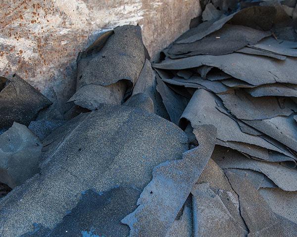 Nicht teerhaltige Dachpappe-Stücke