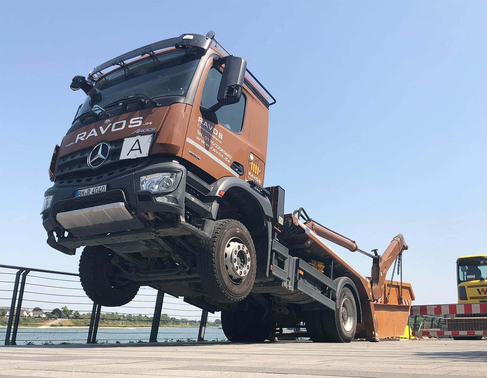 LKW Ravos Containerdienst